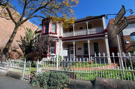 Alishan International Guesthouse - Port Augusta Accommodation