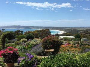 Emu Bay Holiday Homes - Port Augusta Accommodation