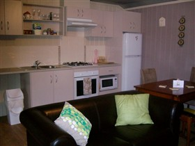 Little Para Cottage - Port Augusta Accommodation