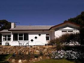 The Pines Holiday Home - Port Augusta Accommodation