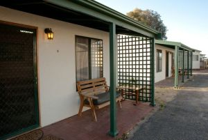 Moonta Bay Road Cabins and Cottages - Port Augusta Accommodation