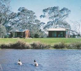 Compass Country Cabins - Port Augusta Accommodation