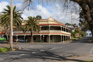 The Midland Hotel Castlemaine - Port Augusta Accommodation