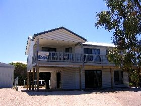Acacia Beach House - Port Augusta Accommodation