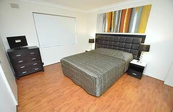 Balmain 3 Mont Furnished Apartment - Port Augusta Accommodation