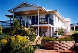Lovering's Beach Houses - The Whitehouse Emu Bay - Port Augusta Accommodation