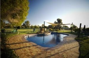 Howlong Country Golf Club Motel - Port Augusta Accommodation