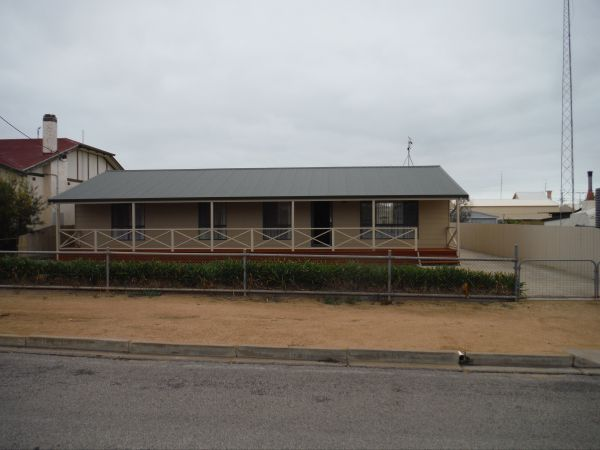 Lawhill Lodge - Port Augusta Accommodation