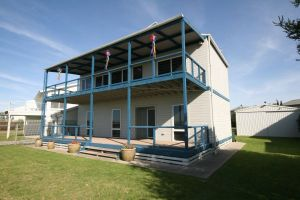 LJ Hooker Goolwa Holiday Rentals - 25 Barrage Road Goolwa South - Port Augusta Accommodation