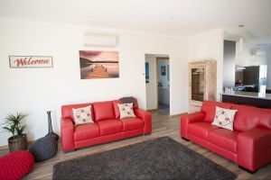 RED FIN part of BLUE FIN HOLIDAY HOMES - Port Augusta Accommodation