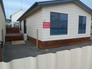 Laubelna's - Port Augusta Accommodation