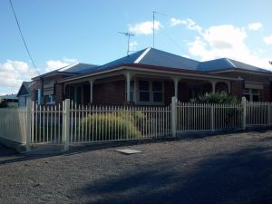 Alby's - Port Augusta Accommodation