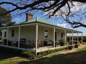 Crookwell Farmhouse - Port Augusta Accommodation