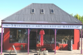 3 Windows Gallery - Port Augusta Accommodation