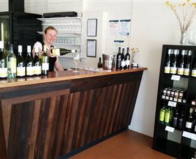 Billy Button Wines - Port Augusta Accommodation