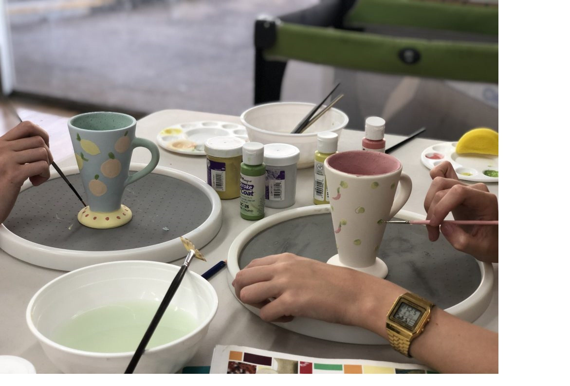 Ceramic Painting Class - Port Augusta Accommodation
