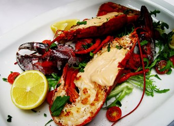 The Lighthouse Seafood Restaurant  Bar - Port Augusta Accommodation