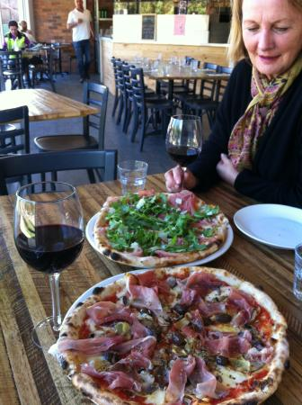 Bastoni Pizzeria - Port Augusta Accommodation