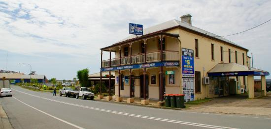 Macleay River Hotel - Port Augusta Accommodation