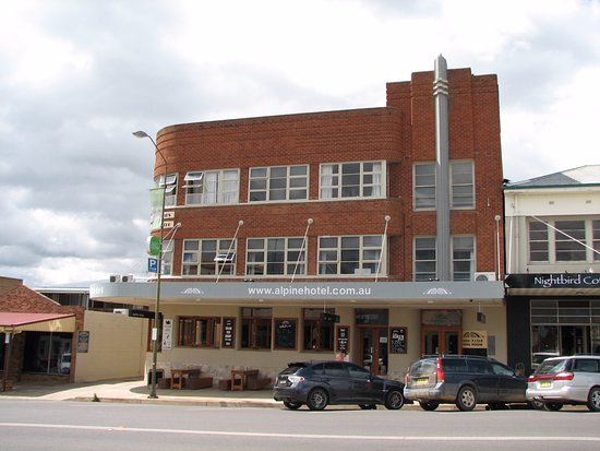 The Alpine Hotel Restaurant Cooma - Port Augusta Accommodation