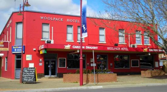 Woolpack Hotel Tumut - Port Augusta Accommodation