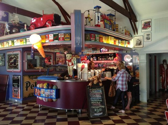 Cruzin' In The 50's Diner - Port Augusta Accommodation