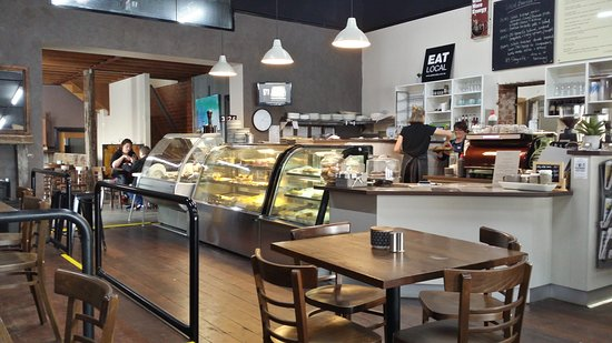 D  M's Bakery Cafe - Port Augusta Accommodation