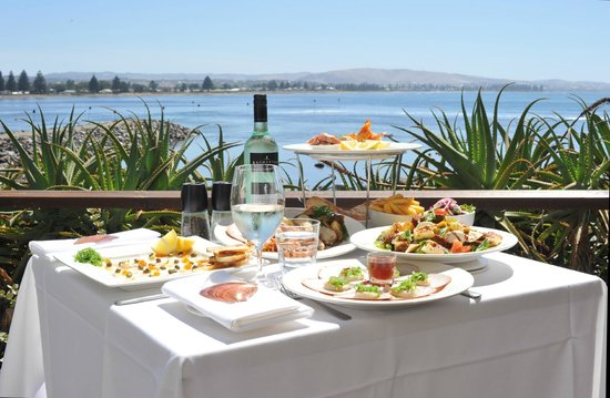 Eat at Whalers restaurant - Port Augusta Accommodation