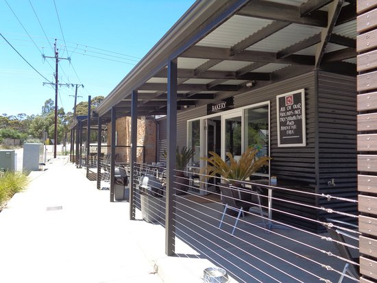 The Little Red Grape - Port Augusta Accommodation