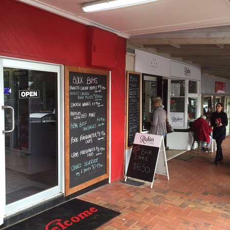 Fox and Hound Espresso - Port Augusta Accommodation