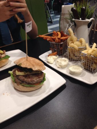 Burger Urge - Port Augusta Accommodation