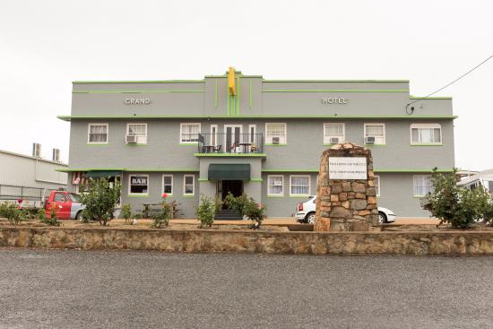 Grand Hotel - Port Augusta Accommodation
