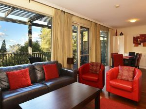 Villa Cypress located within Cypress Lakes - Port Augusta Accommodation