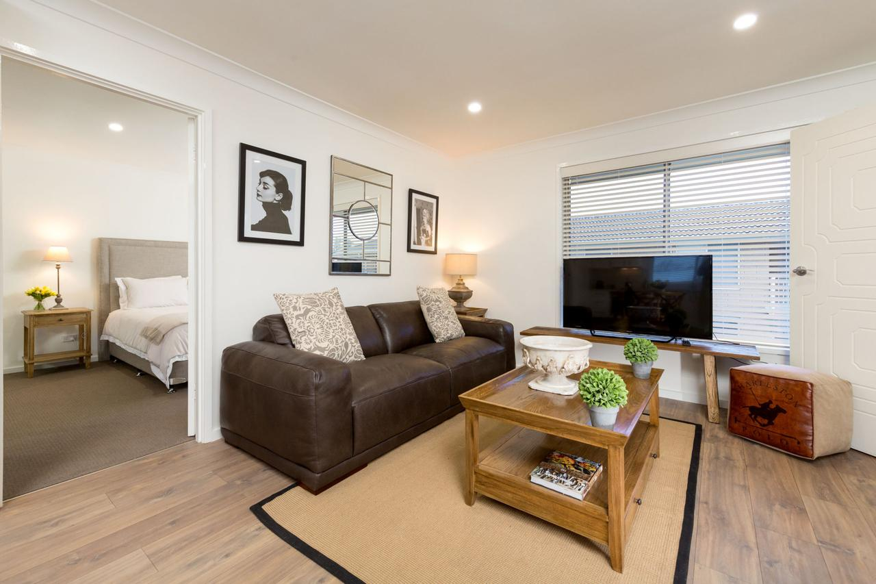 Sleeping in Style - Central  Sophisticated - Port Augusta Accommodation