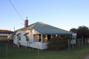 Dillons Cottage - Port Augusta Accommodation