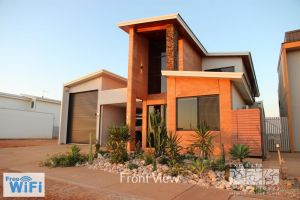 31 Inggarda Lane - Spectacular Views with a Private Jetty and Wi-Fi - Port Augusta Accommodation