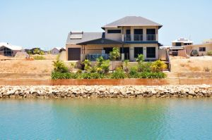 27 Corella Court - Exquisite Marina Home With a Pool and Wi-Fi - Port Augusta Accommodation