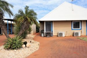 Osprey Holiday Village Unit 213/1 Bedroom - Spa bath king size bed perfect for any couple - Port Augusta Accommodation