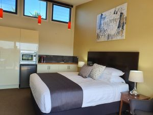 Sanctuary Hill Retreat - Port Augusta Accommodation