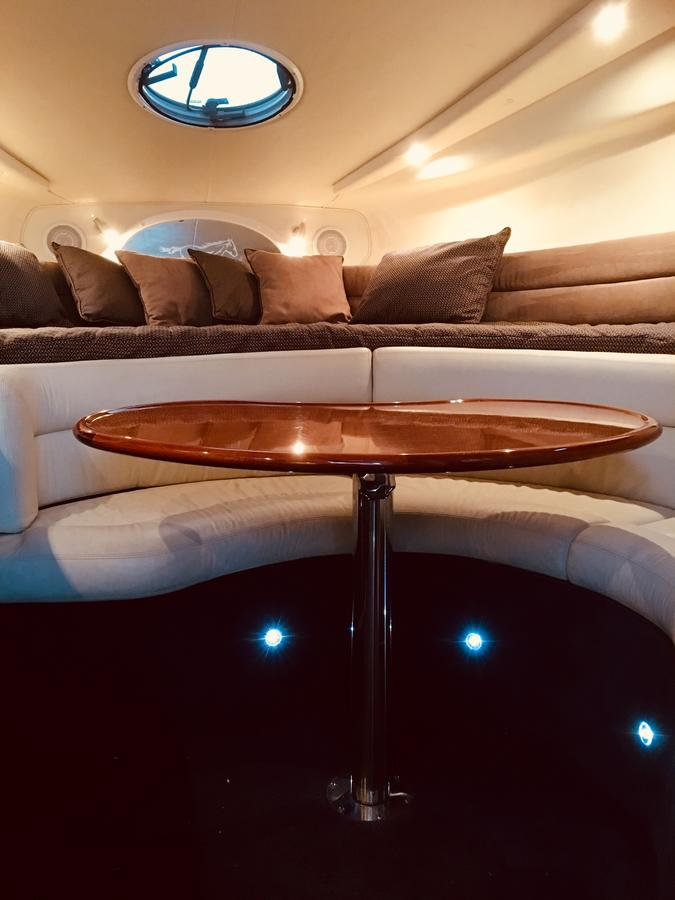 Luxury on the water Private luxurious boat - Port Augusta Accommodation